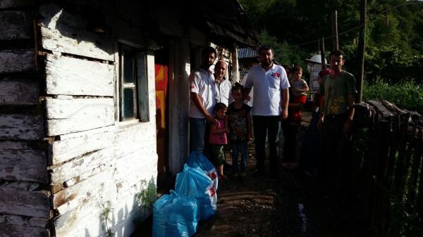 Deniz Feneri Derneği, Arnavutluk'un en yoksul bölgelerinde de yardım çalışmalarını sürdürüyor.