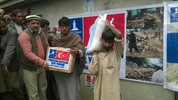pakisatan_deprem_yardımları