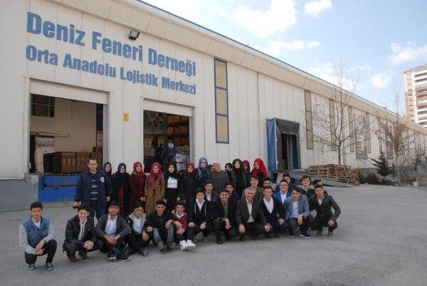 Sincan Anadolu İmam Hatip Lisesinden bir grup genç yürek Ankara şubemiziziyaret etti.
