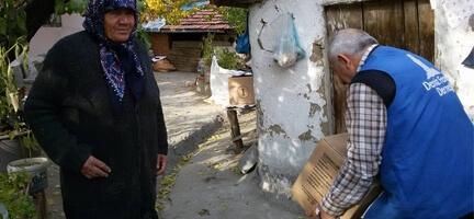 Deniz Feneri Ankara Şubesi Çankırılı ihtiyaç sahiplerinin yanında