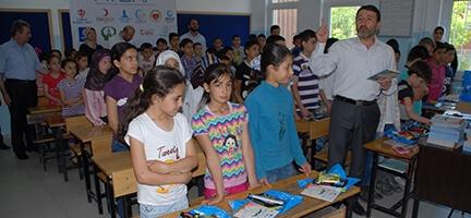 Deniz Feneri Ankara Şubesi Suriyeli çocukları sevindirdi