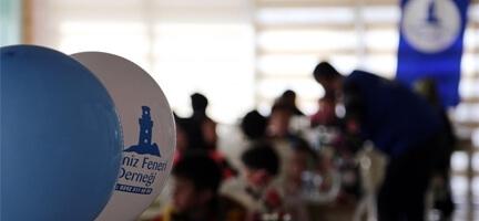 Deniz Feneri'nden Yetim Çocuklara 23 Nisan Hediyesi