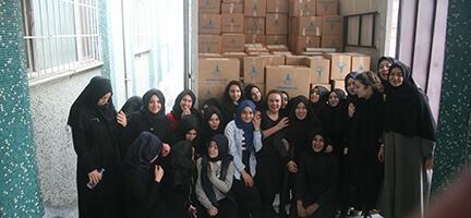 Eyüp İmam Hatip Öğrencisi Kızlardan Bayırbucak Türkmenlerine Yardım