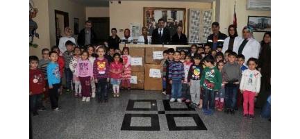 """Pursaklar Belediyesi """"Nezaket Okulu"""" Öğrencilerinden Örnek Davranış"""