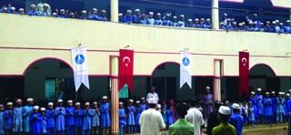 Bangladeş'te Arakanlılar için Okul