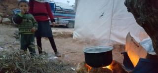 Mülteci kamplarında sobaya ihtiyaç var