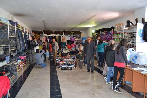 Antalya Gezici Giyim Mağazası Açıldı