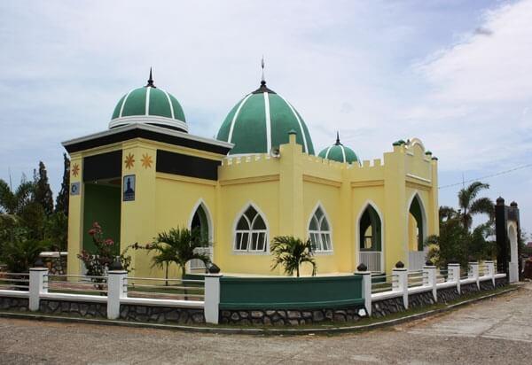 Deniz Feneri Bitai Köyü Camii Yenilendi
