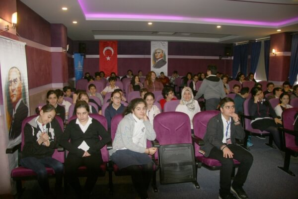 Dr. Ayla Savaş Ortaokulu