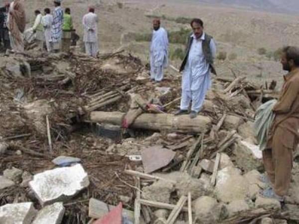 Pakistan'da Deprem: Ölü Sayısı 200'ü Aştı