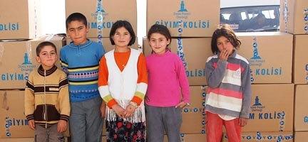 200 Çocuk Bayramlık Giysilerle Mutluluktan Uçtu