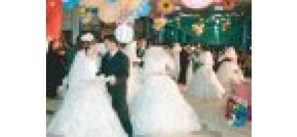 Deniz Feneri 21 Çifti Evlendirdi