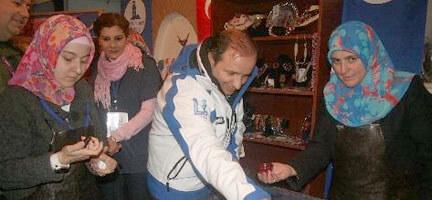 Deniz Feneri, Belediye Başkanına Ebru Yaptırdı