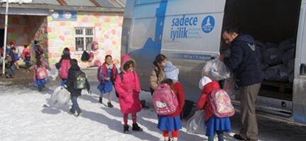 Deniz Feneri Doğu Anadolu Temsilciliği Kış Yardımlarını sürdürüyor