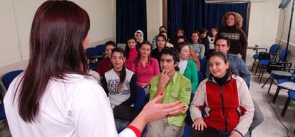 Deniz Feneri, İş Dünyasına Nitelikli Gençler Kazandırıyor