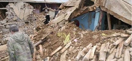 Doğubeyazıt'ta Deprem. Bilanço 18 Ölü 21 Yaralı