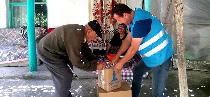 Eskişehir'deki Ailelere Yardım