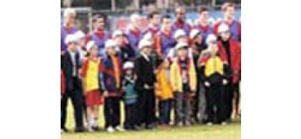 Gs'li Futbolculardan 23 Nisan Hediyesi
