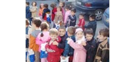 Gülyüzlü Çocuklardan Yoksul Kardeşlerine Sevgiyle