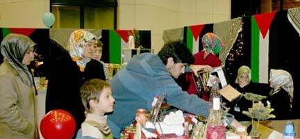 Güneşli Hayatpark Alışveriş Merkezindeki Kermeste Gazze İçin Buluştuk