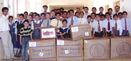 Hırka İ.Ö.O. Kütüphanecilik Kulübü Öğrencilerinden Deniz Feneri´ne Teşekkür