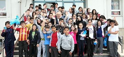 İyilik Okulu Bağcılar'daki Öğrencilerle Buluştu