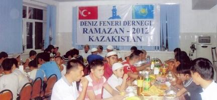 Kazakistan'da İftar Sofrası