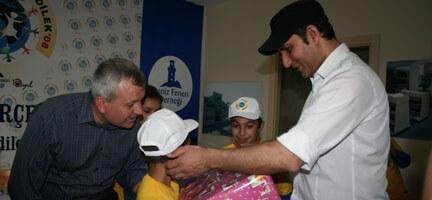 Rafet El Roman Deniz Feneri Çocukları İle Buluştu