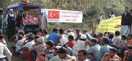 Sellerle Boğuşan Bangladeş'e İnsani Yardım