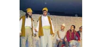 Tiyatrocular Güney Asya İçin Sahneye Çıkıyor