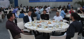 Deniz Feneri Derneği her yıl olduğu gibi bu Ramazan'da da geleneksel hale gelen iftar yemeği verdi.