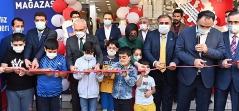 Deniz Feneri Diyarbakır'da Gezici Giyim Mağazası Açtı