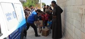 İsveç'teki Hayırseverlerden Suriye'ye Yardım Eli