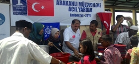 Rohingyalı mültecilere ilk yardımlar dağıtıldı