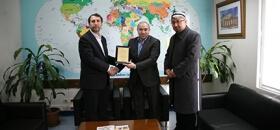 Uygur Akademisi Yönetim Kurulu Başkanı Abdulhamit Karahan'dan Derneğimize teşekkür ziyareti
